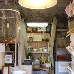 店内奥は、工房兼ハンドメイド教室のスペース。
