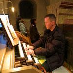 An der Orgel Thomas Dinböck