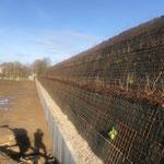 Lärmschutzwall in Wismar, Schulseite, KBE Grün S