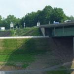 KBE Grün S: A45 bei Hagen, Kranstellflächen Taktkeller, nach Fertigstellung Frontansicht