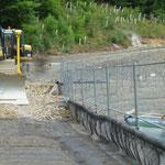 KBE Grün S: verlegte Geogitterbahnen und Bodeneinbau im Vor-Kopf-Verfahren