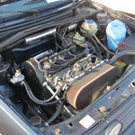 Sein Motor, mit Einzeldrossel-Renneinspritzung!