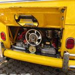 Porsche 6-Zylinderm im Bulli-T1-Heck...
