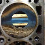 Hon-Öl in den Zylindern schont das Material und auch die Bürste... und bindet den (minimalistischen!) Abrieb...