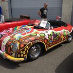Von einer New-Yorker Künstlerin verschönerter 356 Speedster.