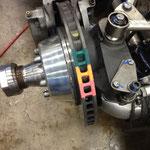 Die Farben dienen der Temperaturüberwachung der Bremsscheiben.