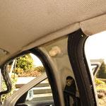 Schmutzränder an den Einbaukanten sind leider normal, gerade auch dann, wenn mal in dem Fahrzeug geraucht wurde, man kann sie nicht entfernen, nur minimieren...