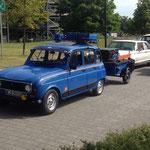 Renault R4 mit Anhang...