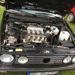 Dieters restaurierter Motorraum, mit Klimaanlage...