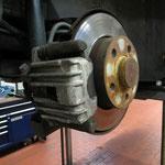 Bremsscheibendicke und Verschleiß der originalen Teile halten sich noch merklich in Grenzen...