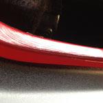 Vaseline unterstützt hauptsächlich das Einbauen der Scheibe, ist aber auch ein Schutz gegen Feuchtigkeit, die in einem Scheibenrahmen nie ganz zu vermeiden ist.