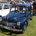 """Renault  4 CV """"Cremeschnittchen"""""""