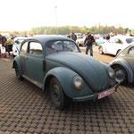 Der älteste Käfer auf dem Platz: Baujahr 1946 !!