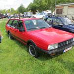 Da kommen Erinnerungen hoch! Drei 32B habe ich in meinem bisherigen Leben gefahren, einfach tolle und große, praktische Autos! Zudem noch echt geil, wenn ein Audi 5 Zylinder-Motor unter der Motorhaube steckt... ;))