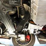 Mein Wagenheber... die einzige Möglichkeit, den Motor wieder in Position zu bringen...