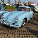 Porsche 356, wohl vom Konzept das Fahrzeug, welches dem Käfer am Nächsten kommt...