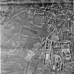 1945, après les bombardements. Au centre de la photo, le carrefour proche de l' entrée du quartier Foch, entre Mercédes et la station service.