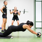 Langhantel Squats (30kg) und Abs-Roll Bauchtraining