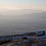 Abendlicher Winterblick vom Berg Pendeli über Athen