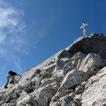 Auf den letzten Metern zum Gipfel der Watzmannfrau (2307 m), Berchtesgadener Alpen