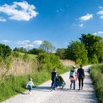 Familienwanderung auf dem Benediktusweg bei Scheyern