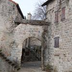 Le porche de l'entrée de Cantobre