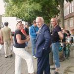 Simone Bencherif Richter und Addi Stock