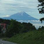 車で5分ほどの富士見高原からの富士山