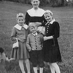 Herbert's Schwestern mit Bruder Hans