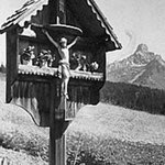 Wetterkreuz vor dem Elternhaus von Herbert's Mutter