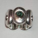 Ring No. FR362 mit grünem Turmalincabouchon