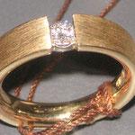 Ring No. FR 341, 750 Gelbgold, Brillantgrösse nach Wahl