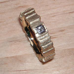 Ring RLi 011, 750 Gelbgold mit Princess-Diamant