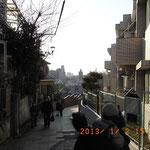 富士見坂 この位置から富士山が見えるが、マンション建設でこれが見納め」のようだ。