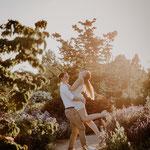 Verlobungsshooting im Park der Gärten