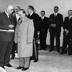 Inauguration du Groupe scolaire en 1957... par M René BILLERE Ministre de l'Education Nationale , le Maire Jean Marie CAILLABET et le Conseil Municipal