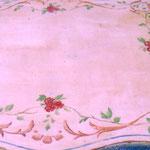 TABLE EN BOIS PEINT MOTIF PIVOINE