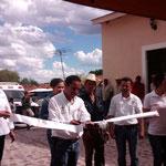 El Presidente Luis León Inaugurando la obra del empedrado ahogado en concreto.