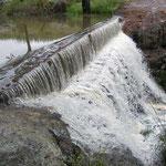 Ahora, cuando se desborda, se crea una cascada impresionante