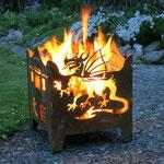 """Asiatisches Gartenambiente durch die einzigartige Feuerschale """"Feuertempel"""""""