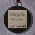 Der Orden wurde 1982 anlässlich der Fertigstellung der Mehrzweckhalle Spender und Unterstützer verliehen (Rückseite)