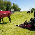 Mittagspause und Sonne geniesen: Team Idar-Oberstein