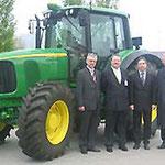 Franz Früchtel, der russische Gesandte Wladimir Matwejew, Dr. Haas und Prof. Dr. Egon Jüttner (von links) zu Besuch bei John Deere in Mannheim