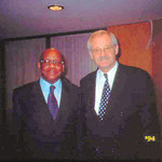 Egon Jüttner mit dem Premierminister von Gabun, Jean-François Ntoutoume Emane