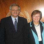 Egon Jüttner mit der damaligen stellv. VN-Generalsekretärin Louise Fréchette in New York