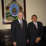 Egon Jüttner mit dem Parteivorsitzenden der CDU Honduras und Parlamentsvize-präsidenten Ramón Valásquez Nazar