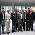 Egon Jüttner (Zweiter von rechts) mit Volker Kauder (Vierter von rechts) und dem ehemaligen Vorsitzenden der MIT aus Mannheim, Bernd Kupfer(Sechster von rechts), und Mitgliedern der MIT in Berlin