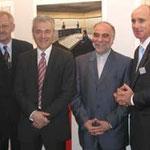 Egon Jüttner (ganz links) mit dem iranischen Botschafter Seyed Khareghani (Dritter von links), Harald Bruns (zweiter von links) und Hendrik Weiler (ganz rechts) bei ABB in Käfertal
