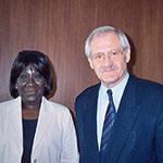 Egon Jüttner mit der damaligen stellv. Generaldirektorin der Internationalen Organisation für Migration in Genf, Ndioro Ndiaye