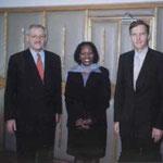 Egon Jüttner in Begleitung von Dr. Lorenz Barth von der deutschen Botschaft bei der Staatssekretärin im Justizministerium von Nairobi/Kenia, Dorothy N. Angote